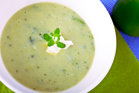 http://www.dreamstime.com/royalty-free-stock-image-green-vegetale-soup-white-bowl-image30003746