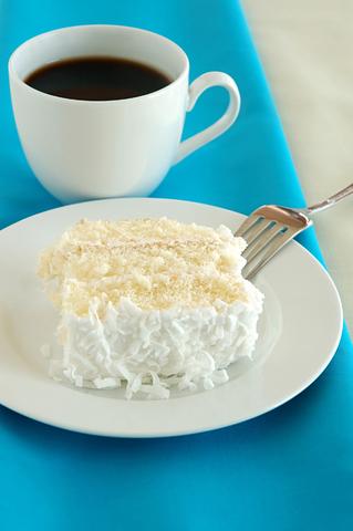 cocnut cake-dreamstime_2181736